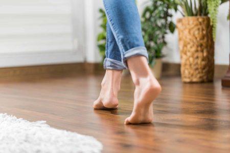 Warme Füße, warme Böden – die besten Wohlfühl-Bodenbeläge