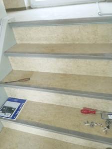 Die Kellertreppe vor dem Einsatz der TTM-Profis