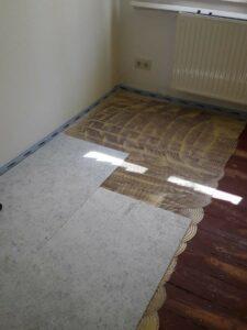 Matten auf Bodenkleber