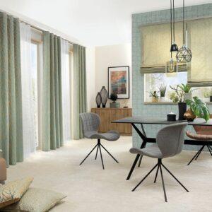 Teppichboden beige und Gardine grün