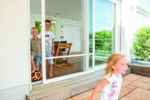 Schieberahmen-Insektenschutz an Terrassentür